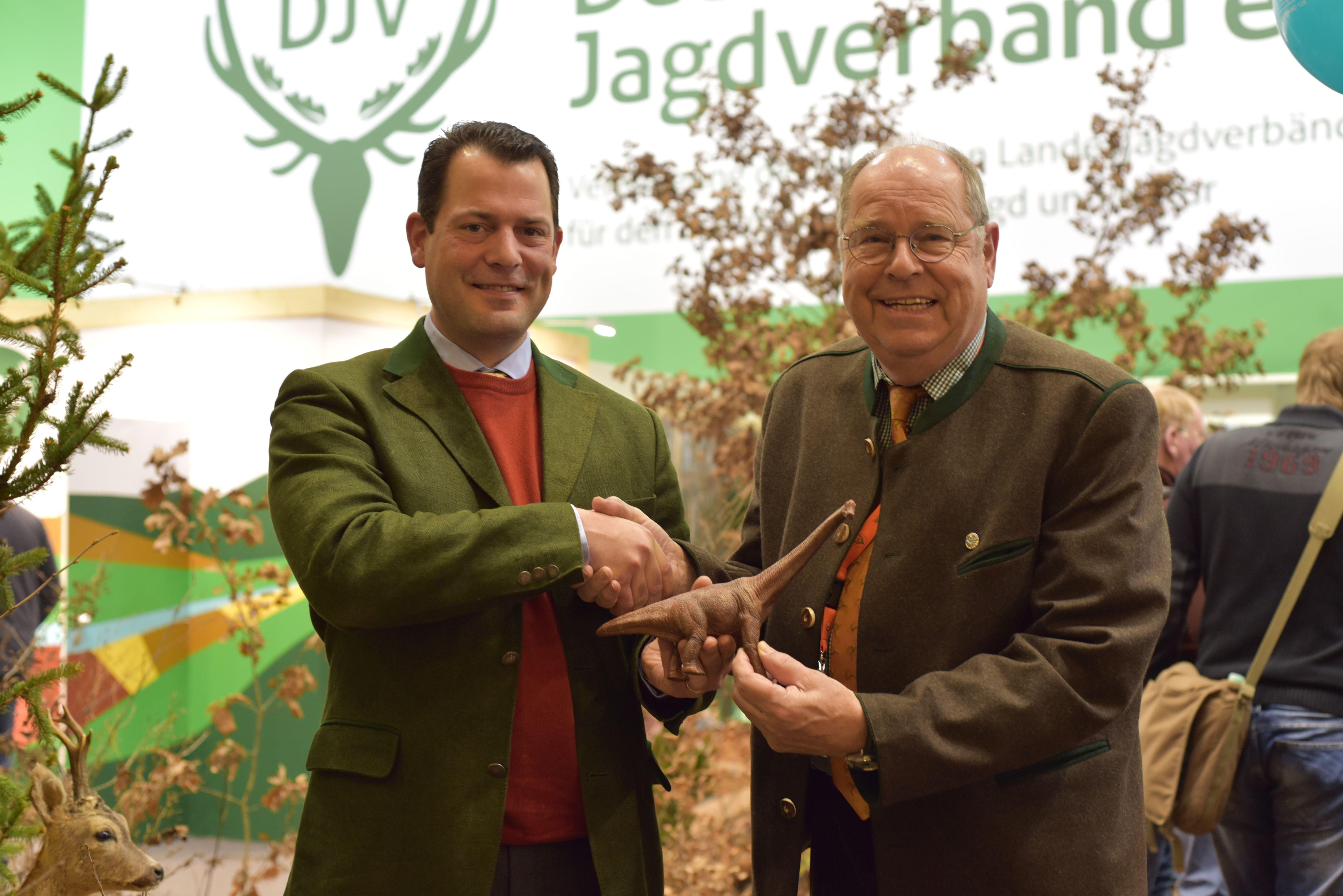 Phillip zu Guttenberg mit dem Präsidenten des Deutschen Jagdverbandes, Hartwig Fischer
