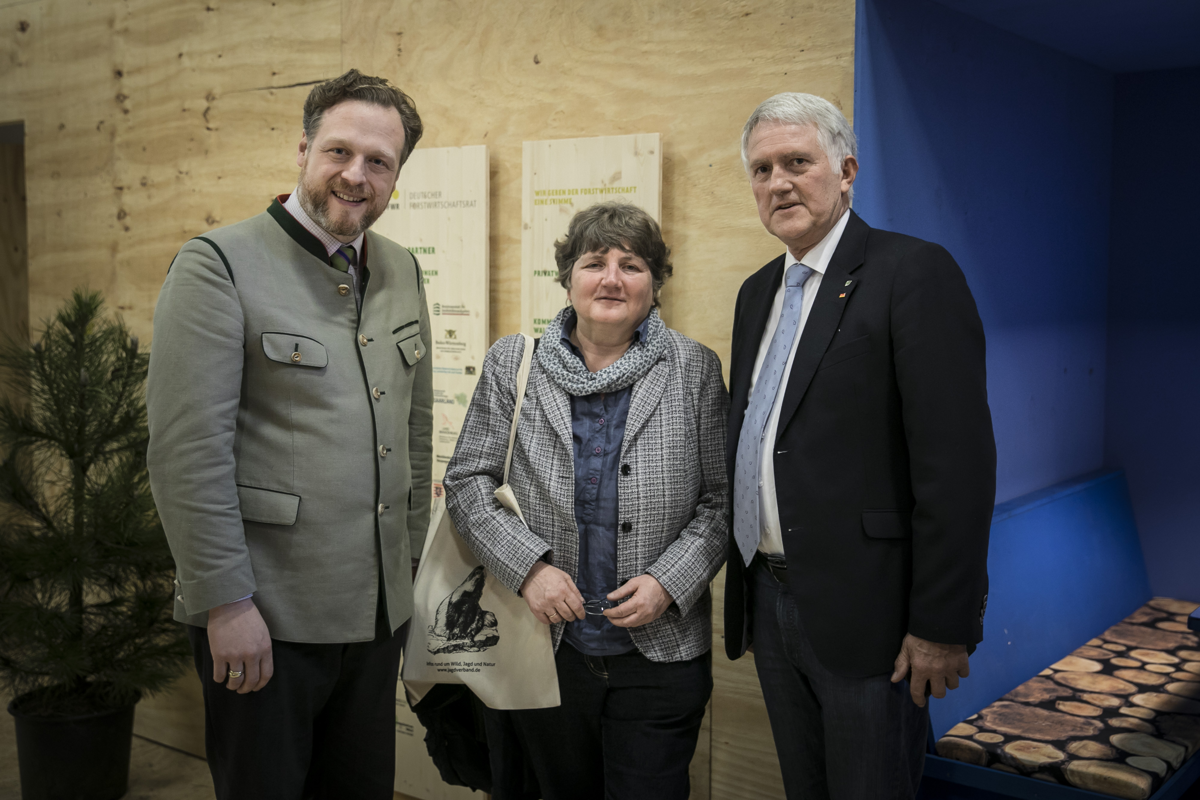Hauptgeschäftsführer Alexander Zeihe mit Dr. Kirsten Tackmann, MdB