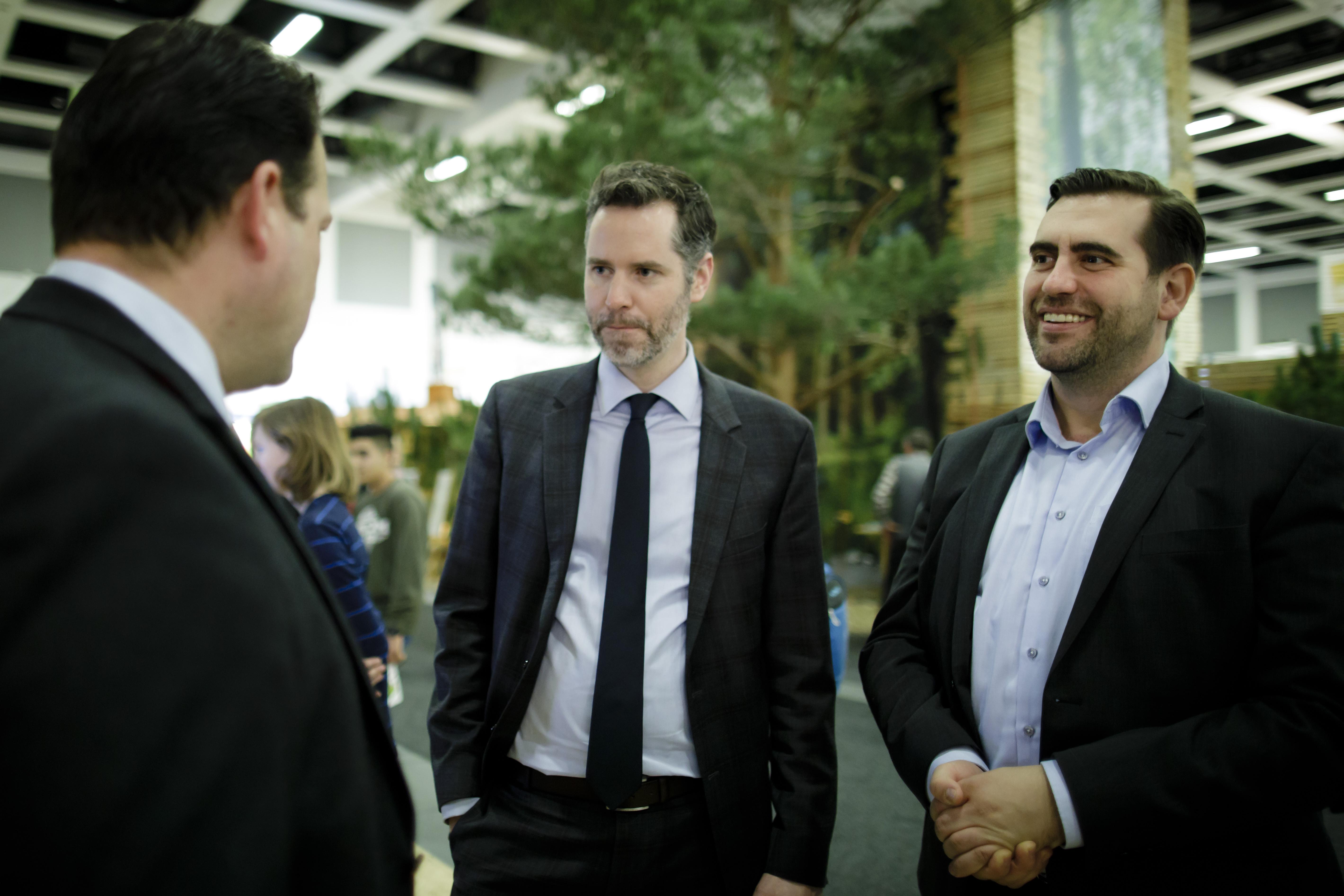 AGDW-Präsident Phlipp zu Guttenberg mit den Bundestagsabgeordneten Frank Sitta und Christian Dürr