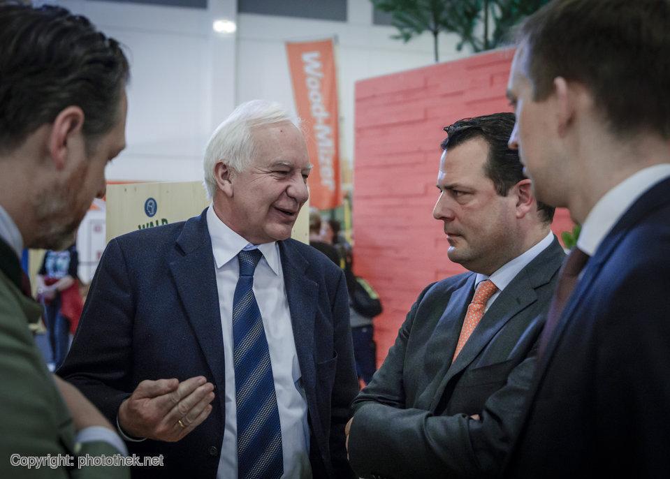 Philipp zu Guttenberg mit dem Waldbeauftragten der Bundesregierung auf der Grünen Woche 2018