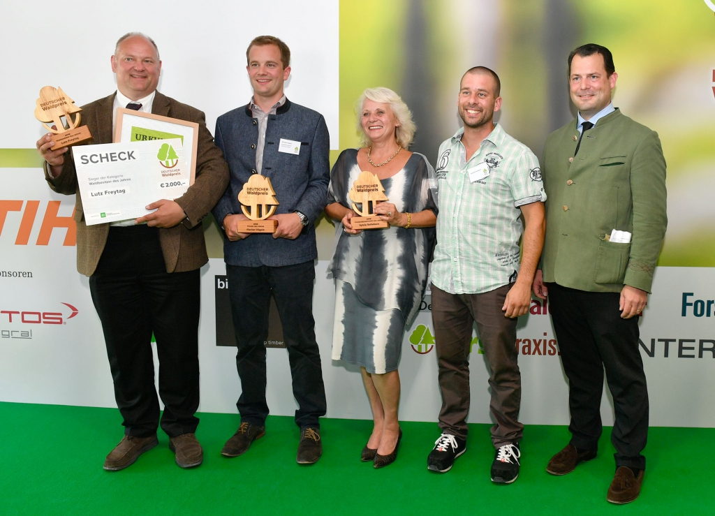 Die Gewinner des Deutschen Waldpreises: Waldeigentümer Lutz Freytag, Förster Florian Vögele und Forstunternehmerin Sylvia Settekorn