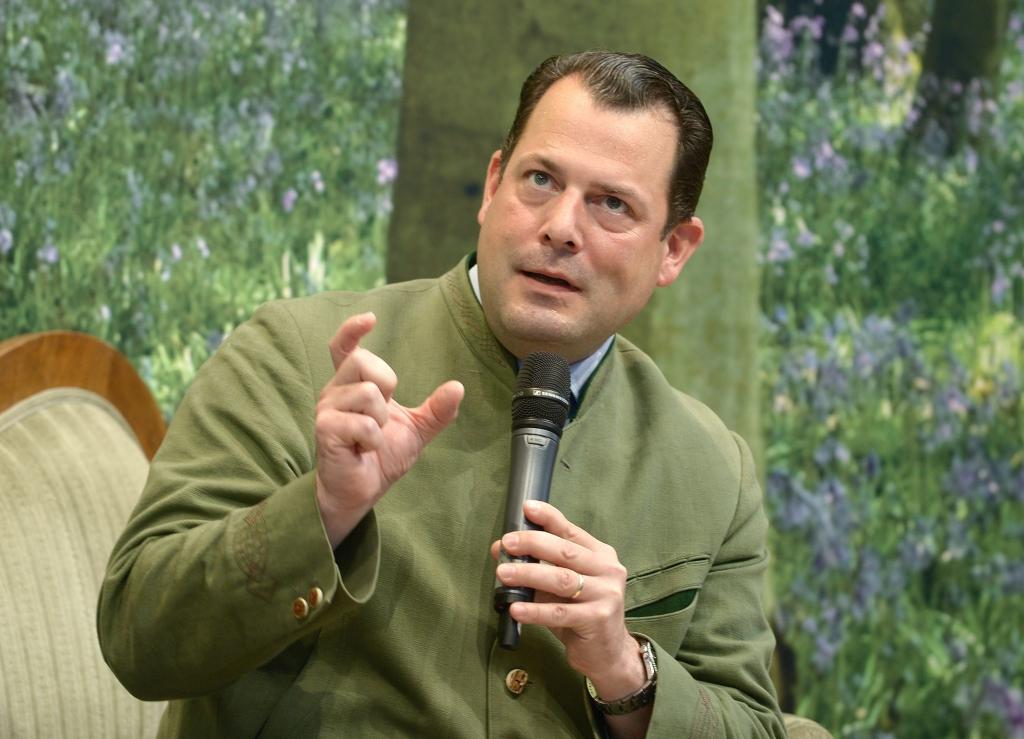 AGDW-Präsident Philipp zu Guttenberg im Interview auf der Grünen Couch