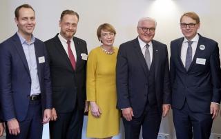 Bundespräsident Frank-Walter Steinmeier: Empfang der Moderatoren und Sponsoren anlässlich des Bürgerfestes im Schloss Bellevue