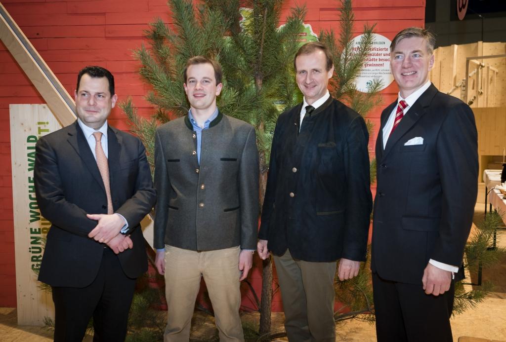 AGDW-Präsidenten mit den Gewinnern des Deutschen Waldpreises 2018
