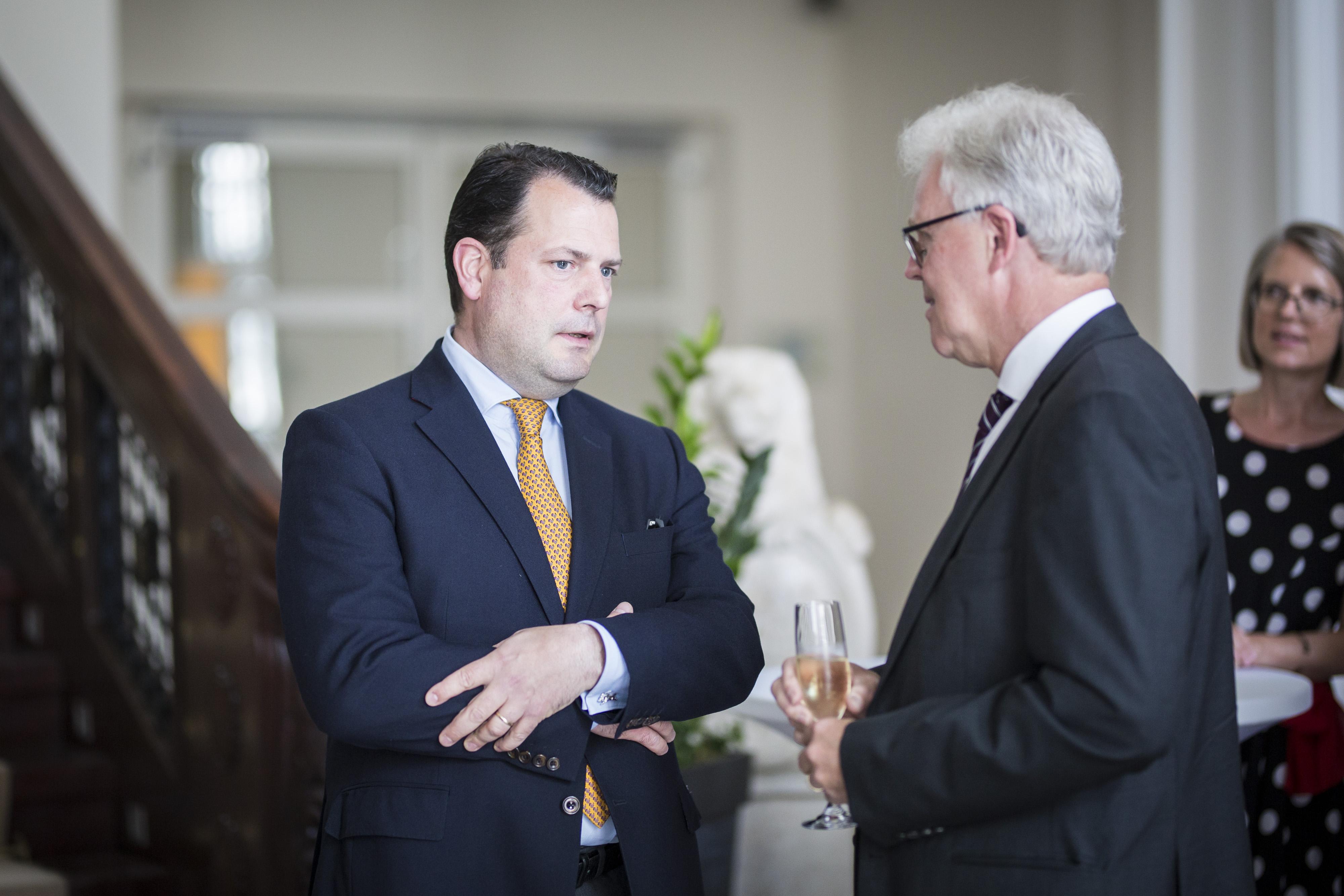 Philipp zu Guttenberg mit Dr. Reinhard Müller