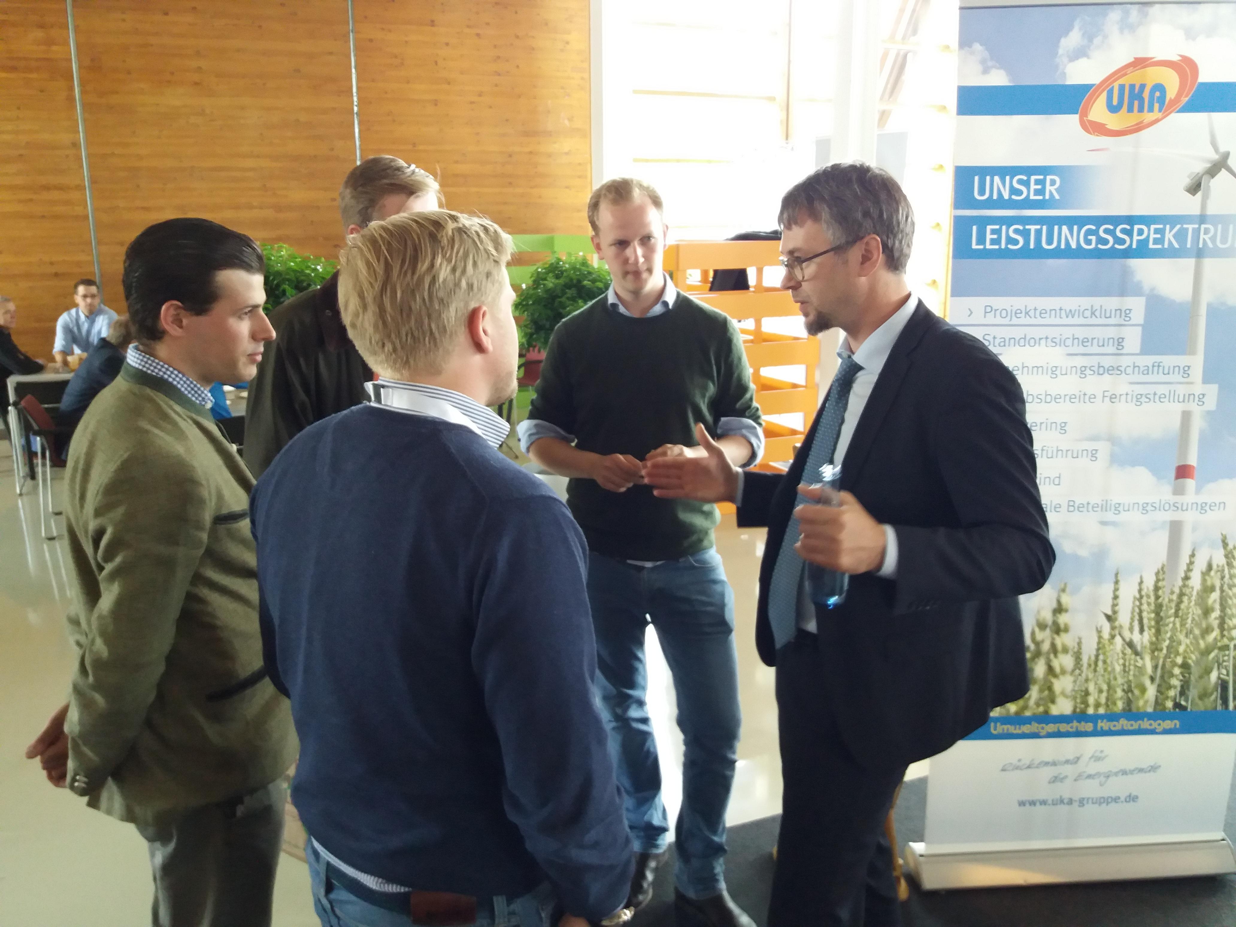 Junge Waldeigentümer mit UKA Meißen Projektentwicklung